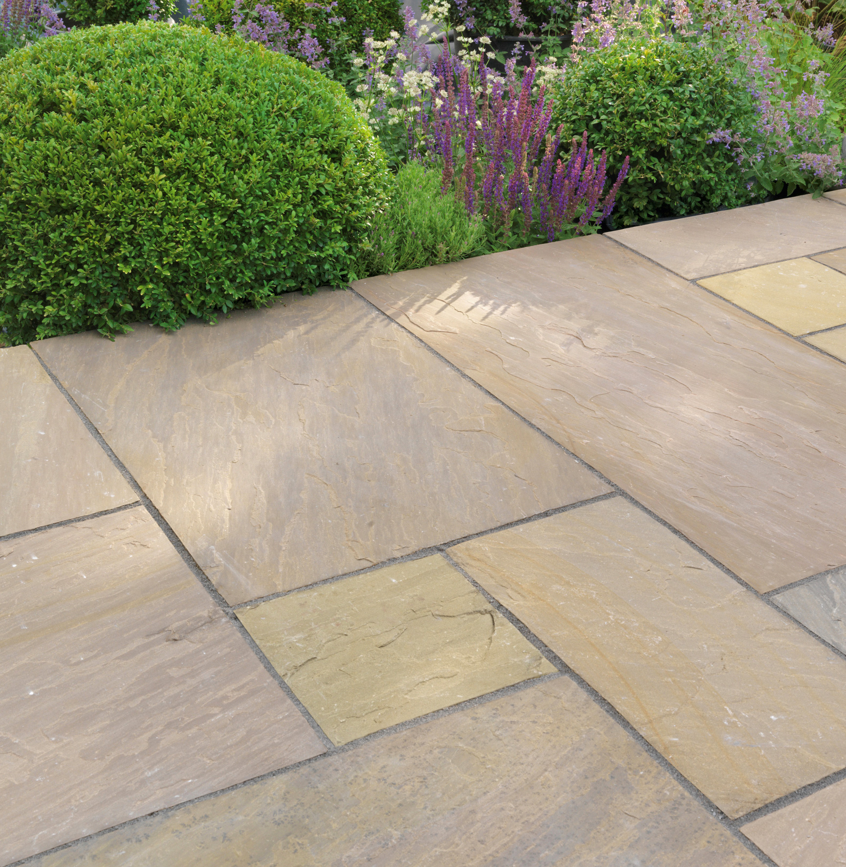 Natural-Stone-Paving-thorpe-bay-1